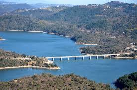 Lac de saint Cassien activités nautiques