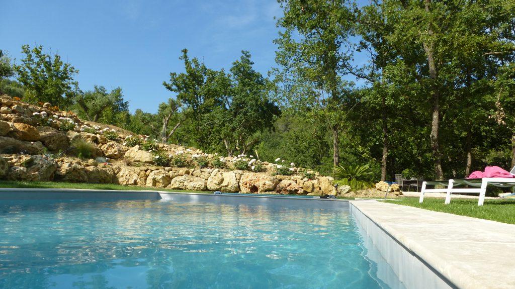 La piscine chauffée 10m x 5m profondeur 1.40m