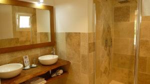 https://www.levallondesoliviers.fr/wp-content/uploads/2019/06/bathroom-music-300x169.jpg