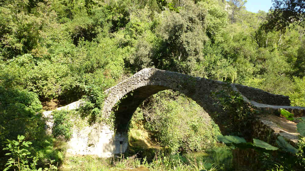 bed-and-breakfast-and-hicking-gorges-de-la-siagne